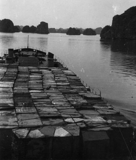 LANDING SHIP TANK (LST) CLASSE NEWPORT  - Page 2 Adour4